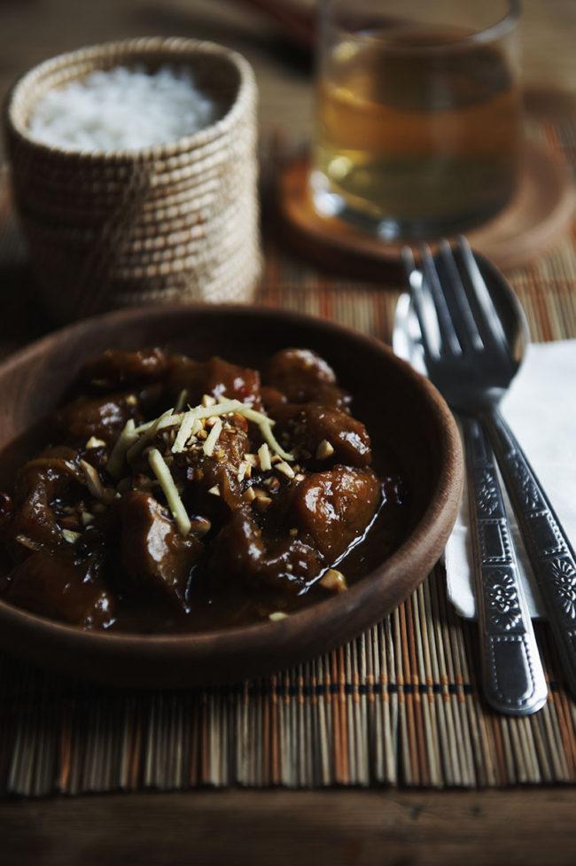 Thailande recettes Kaeng hung lai moo,